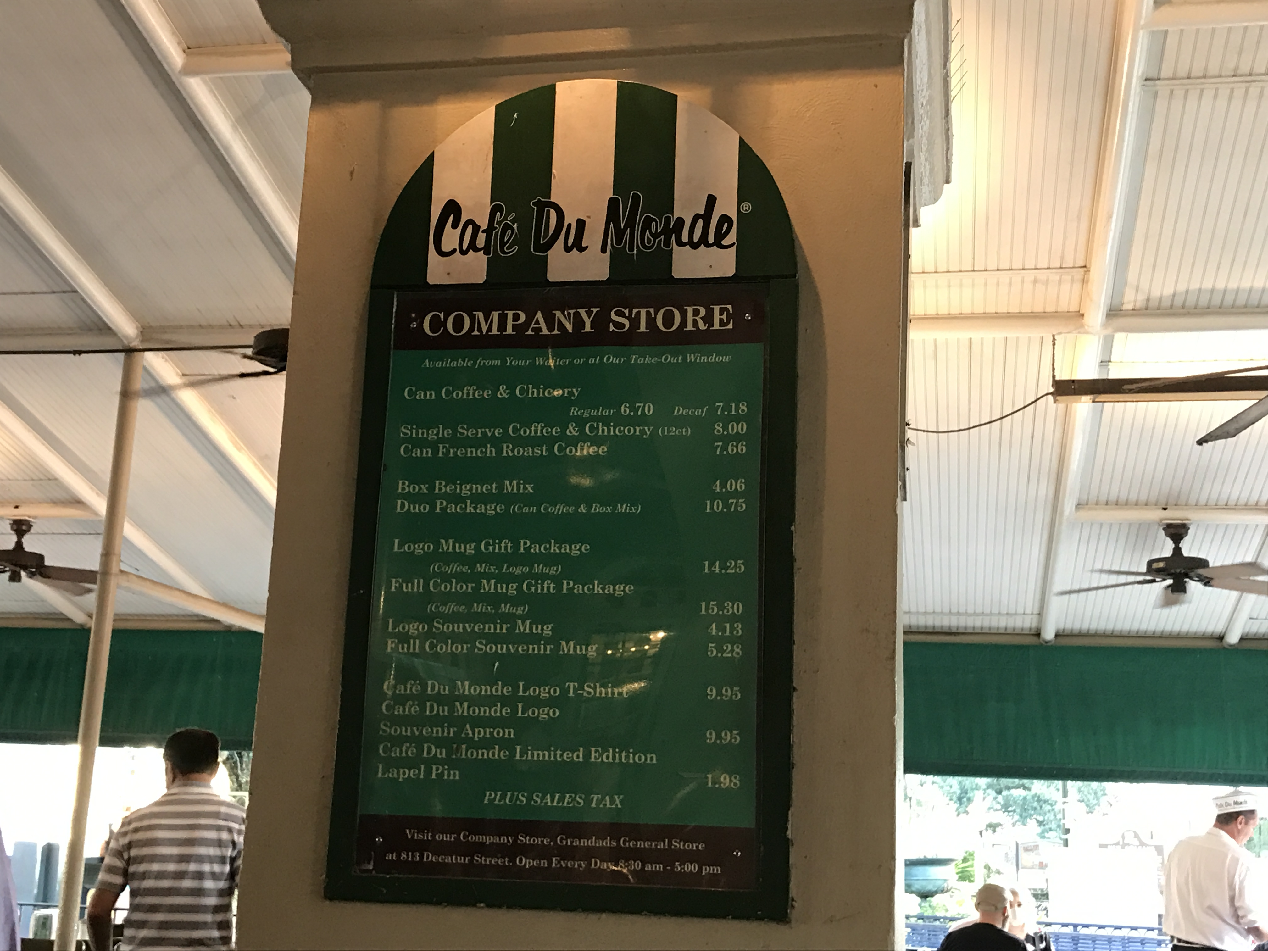 Menu sign at Cafe Du Monde
